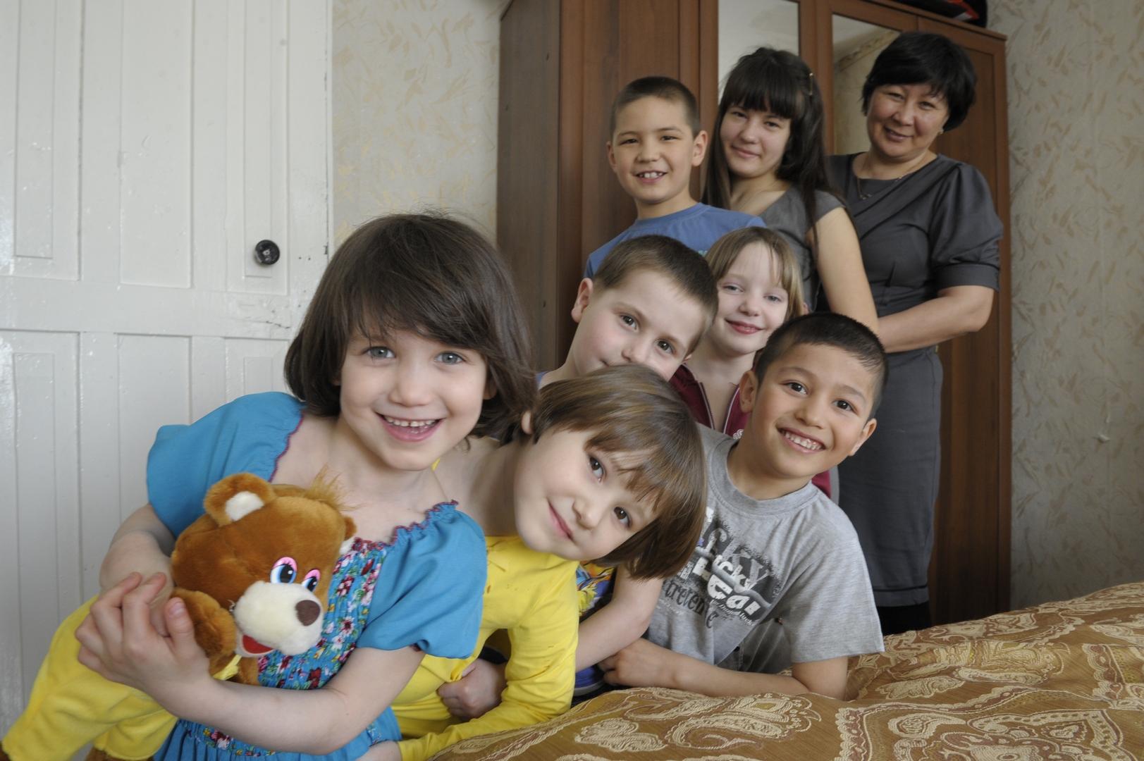 это картинки сирота и семья неподтверждённой информации, результате